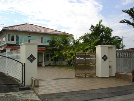 Main House 5r 4b with swimming pool
